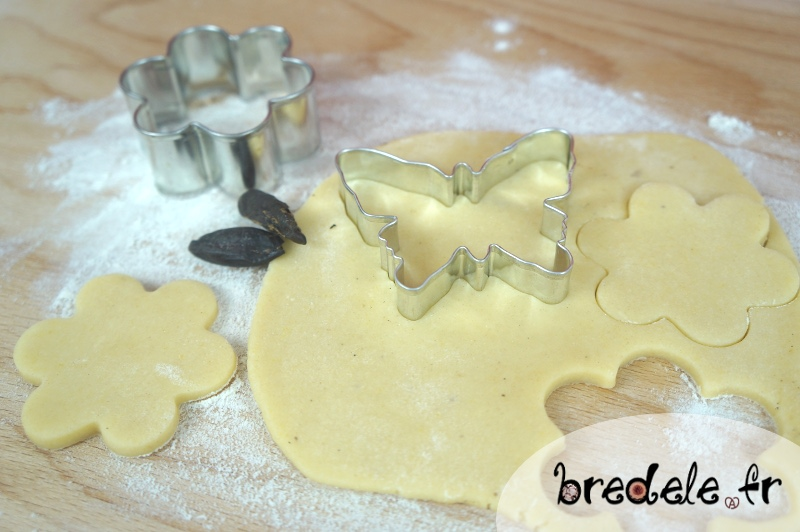 Préparation des Biscuits à la fève tonka